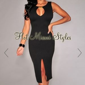 Black Textured Gold Accent Sleeveless Midi Dress-M